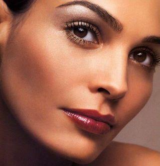 je veux un maquillage simple mais pas trop pale j\u0027aime beaucoup celui ci